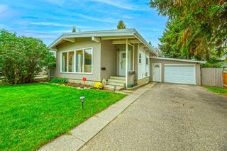 Photo 2: 2819 42 Street SW in Calgary: Glenbrook Detached for sale : MLS®# A1149290