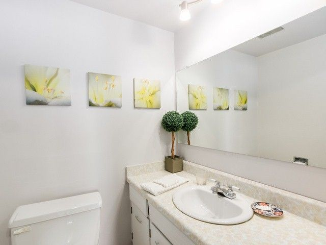"""Photo 12: Photos: 203 15010 ROPER Avenue: White Rock Condo for sale in """"Baycrest"""" (South Surrey White Rock)  : MLS®# F1417713"""
