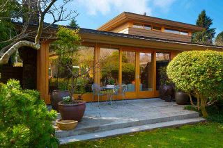 Photo 3: 4832 QUEENSLAND Road in Vancouver: University VW House for sale (Vancouver West)  : MLS®# R2559216