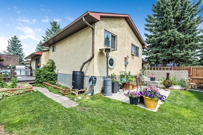 FEATURED LISTING: 31 Castledale Way Northeast Calgary