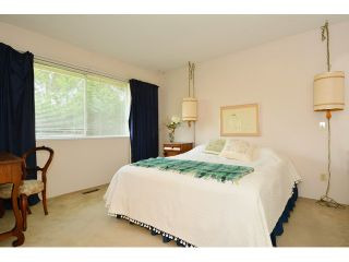 """Photo 15: 1820 140B Street in Surrey: Sunnyside Park Surrey House for sale in """"Ocean Bluff"""" (South Surrey White Rock)  : MLS®# F1436536"""