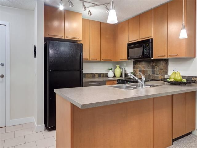 Photo 6: Photos: 329 35 RICHARD Court SW in Calgary: Lincoln Park Condo for sale : MLS®# C4030447