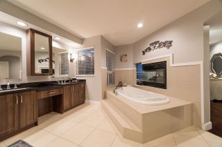 Photo 13: 1522 PARKWAY BOULEVARD in Coquitlam: Westwood Plateau House for sale : MLS®# R2151704