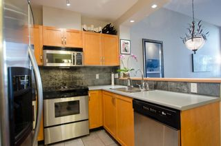 Photo 6: 122 2263 REDBUD Lane in Tropez: Home for sale