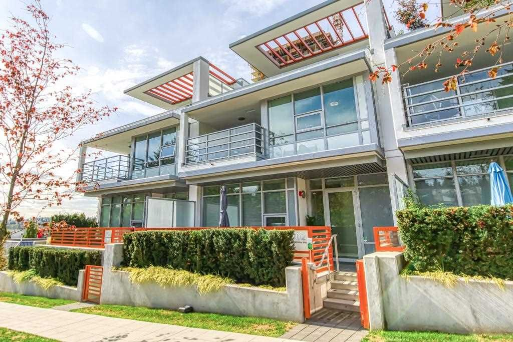 """Main Photo: 102 530 WHITING Way in Coquitlam: Coquitlam West Townhouse for sale in """"BROOKMERE"""" : MLS®# R2534805"""
