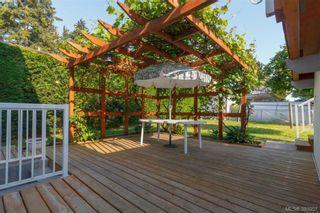 Photo 15: 524 Meredith Cres in VICTORIA: SW Tillicum House for sale (Saanich West)  : MLS®# 789691