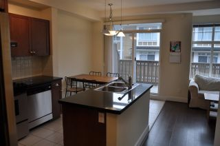 "Photo 2: 972 W 58TH Avenue in Vancouver: South Cambie Townhouse for sale in ""Churchill Gardens"" (Vancouver West)  : MLS®# R2045472"