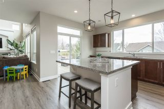 """Photo 8: 2290 CHARDONNAY Lane in Abbotsford: Aberdeen House for sale in """"Pepin Brook"""" : MLS®# R2555950"""