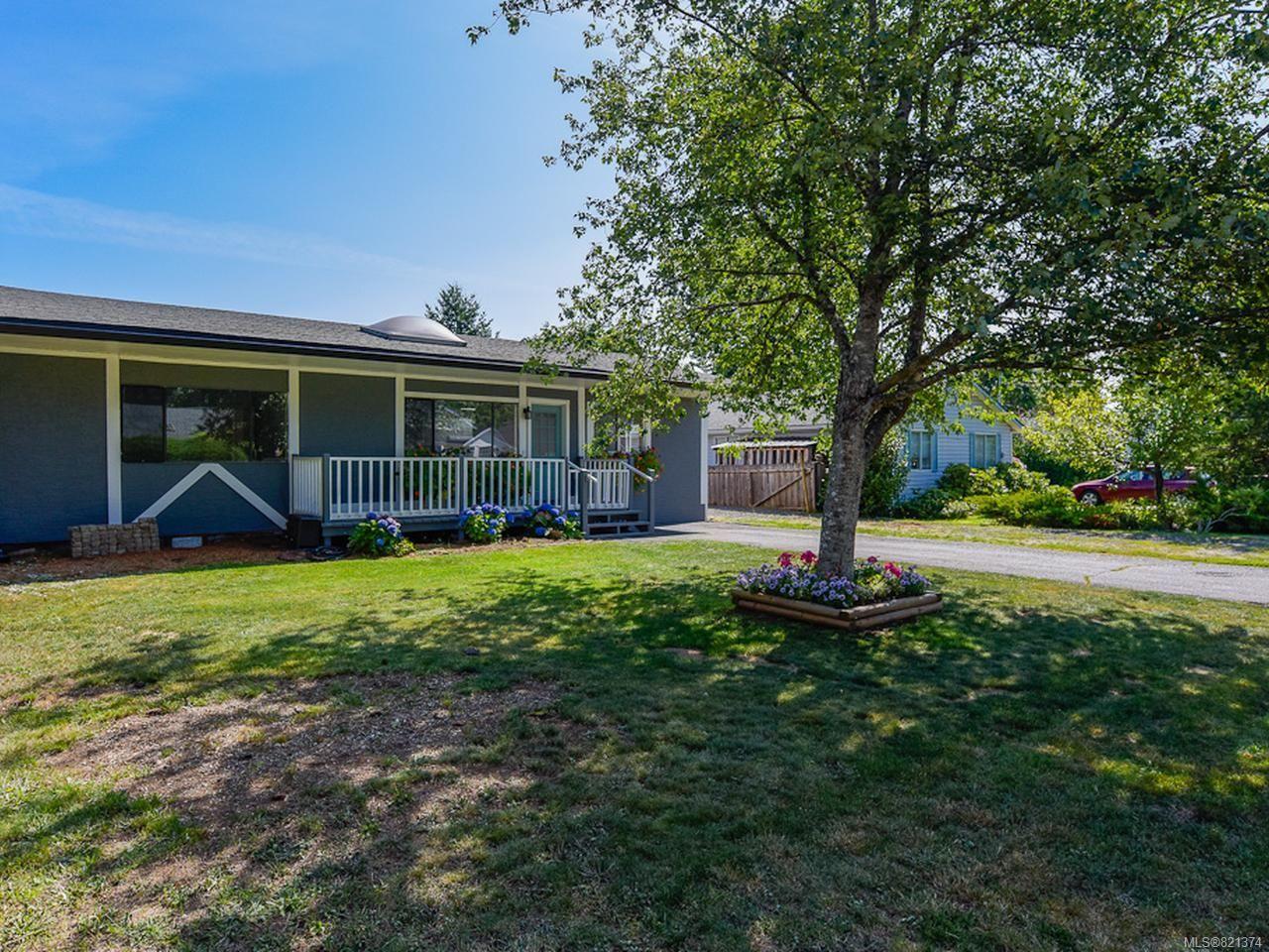 Main Photo: 1784 URQUHART Avenue in COURTENAY: CV Courtenay City House for sale (Comox Valley)  : MLS®# 821374