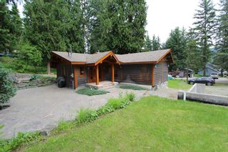 Photo 2: 2489 Forest Drive: Blind Bay House for sale (Shuswap)  : MLS®# 10136151