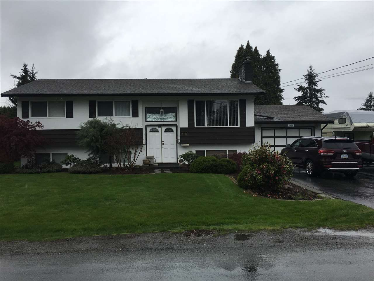 Main Photo: 2185 BEAVER Street in Abbotsford: Abbotsford West House for sale : MLS®# R2360556