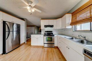 Photo 4: 228 WOODBINE Boulevard SW in Calgary: Woodbine Detached for sale : MLS®# C4204614