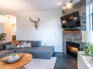 """Photo 8: 101 1725 BALSAM Street in Vancouver: Kitsilano Condo for sale in """"Balsam House"""" (Vancouver West)  : MLS®# R2454346"""