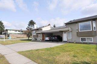Photo 1: 5216 SMITH Avenue in Burnaby: Central Park BS 1/2 Duplex for sale (Burnaby South)  : MLS®# R2541790