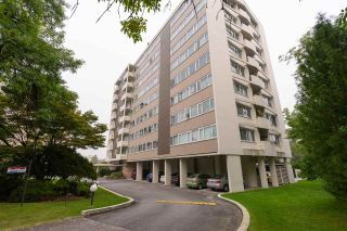 "Photo 1: 401 6026 TISDALL Street in Vancouver: Oakridge VW Condo for sale in ""OAKRIDGE TOWERS"" (Vancouver West)  : MLS®# R2496115"