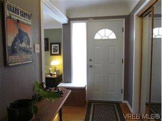 Photo 19: 2205 Victor Street in VICTORIA: Vi Fernwood Residential for sale (Victoria)  : MLS®# 300654