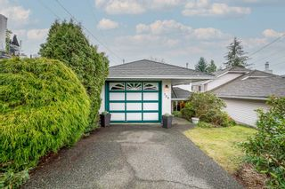 """Photo 2: 135 W ROCKLAND Road in North Vancouver: Upper Lonsdale House for sale in """"Upper Lonsdale"""" : MLS®# R2527443"""