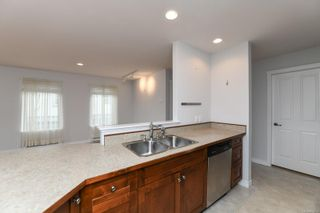 Photo 20: 201 1695 Comox Ave in : CV Comox (Town of) Condo for sale (Comox Valley)  : MLS®# 878188