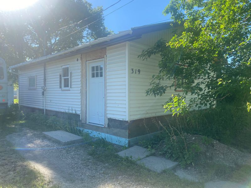 FEATURED LISTING: 319 South Street Treherne