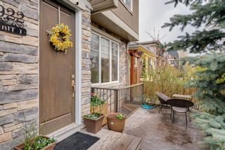 Photo 3: 1 922 3 Avenue NW in Calgary: Sunnyside Row/Townhouse for sale : MLS®# A1102564