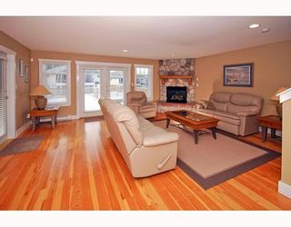 """Photo 1: 38629 CHERRY Drive in Squamish: Valleycliffe House for sale in """"RAVEN'S PLATEAU"""" : MLS®# V753230"""