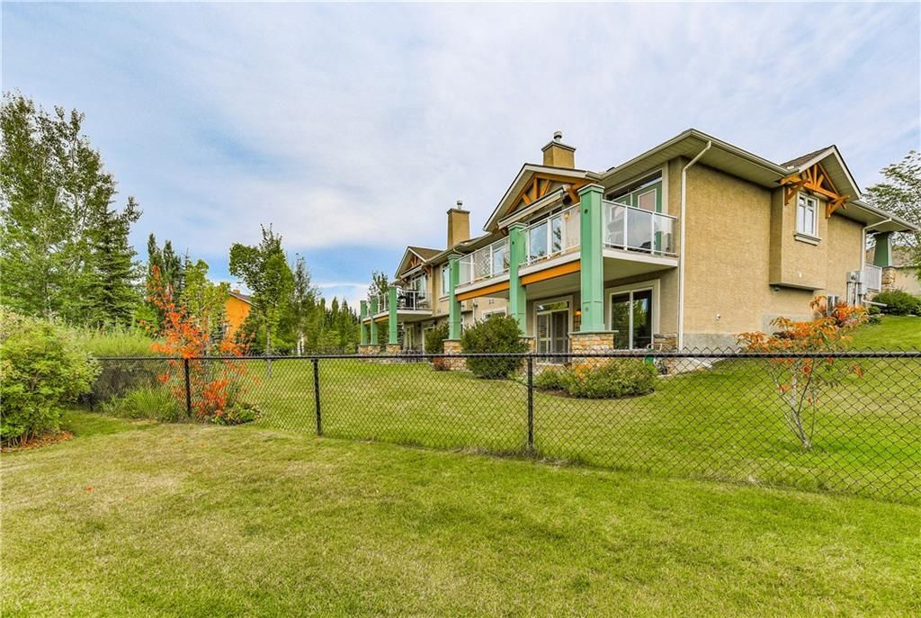 Photo 48: Photos: 73 DISCOVERY WOODS Villa SW in Calgary: Discovery Ridge Semi Detached for sale : MLS®# C4218779
