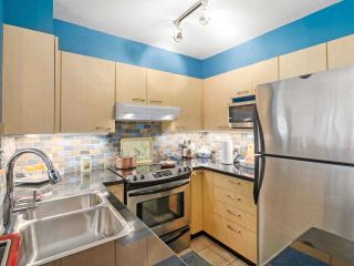 """Photo 11: 407 1575 W 10TH Avenue in Vancouver: Fairview VW Condo for sale in """"TRITON ON 10TH"""" (Vancouver West)  : MLS®# R2580772"""