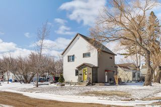 Photo 2: 1221 6th Avenue North in Saskatoon: North Park Residential for sale : MLS®# SK847280