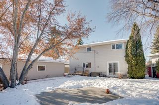 Photo 3: 2652 Lionel Crescent SW in Calgary: Lakeview Detached for sale : MLS®# A1072215