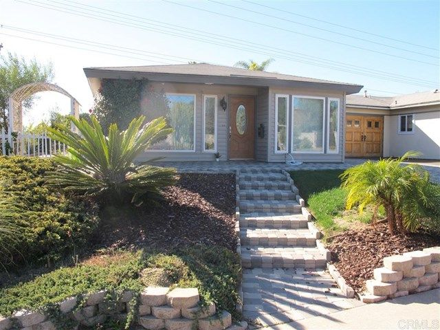 Main Photo: Townhouse for sale : 2 bedrooms : 751 Sunflower in Encinitas