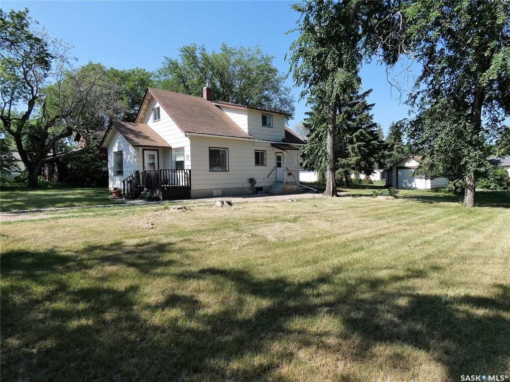Main Photo: 509 4th Avenue in Cudworth: Residential for sale : MLS®# SK862474
