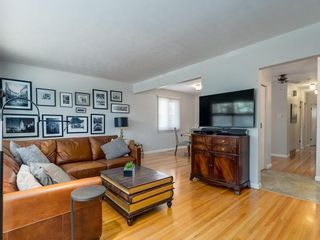 Photo 6: 156 CHEROVAN Drive SW in Calgary: Chinook Park Detached for sale : MLS®# C4306207