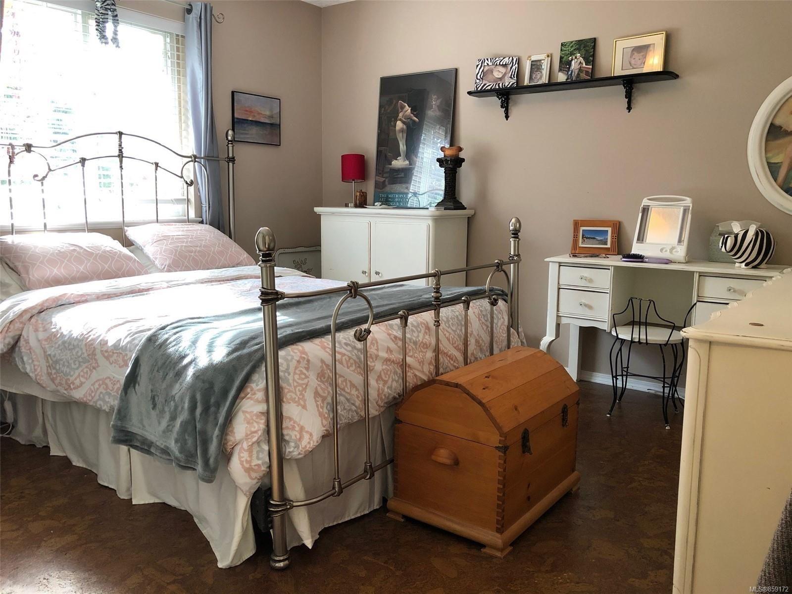 Photo 6: Photos: 1723 Karen's Crt in : PQ Qualicum North House for sale (Parksville/Qualicum)  : MLS®# 859172