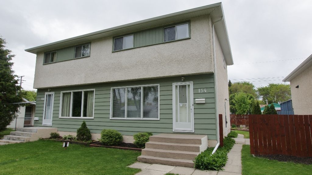 Main Photo: 154 Thom Avenue East in Winnipeg: Transcona Residential for sale (North East Winnipeg)