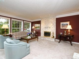 Photo 4: 4731 AMBLEWOOD Dr in VICTORIA: SE Cordova Bay House for sale (Saanich East)  : MLS®# 820003