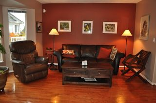 Photo 5: Lonsdale Townhouse