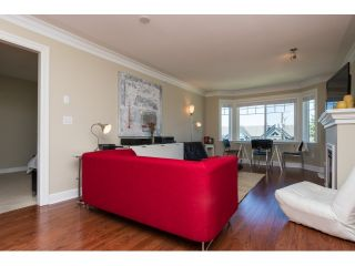 "Photo 6: PH5 15357 ROPER Avenue: White Rock Condo for sale in ""REGENCY COURT"" (South Surrey White Rock)  : MLS®# R2068178"