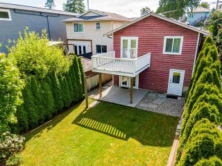 """Photo 36: 850 PARKER Street: White Rock House for sale in """"EAST BEACH"""" (South Surrey White Rock)  : MLS®# R2587340"""