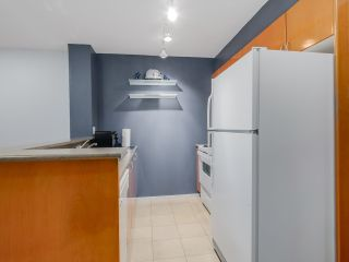 """Photo 9: 803 2763 CHANDLERY Place in Vancouver: Fraserview VE Condo for sale in """"RIVER DANCE"""" (Vancouver East)  : MLS®# R2067616"""