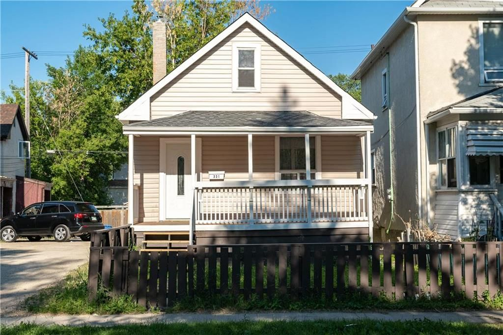 Main Photo: 331 Simcoe Street in Winnipeg: West End Residential for sale (5A)  : MLS®# 202116546