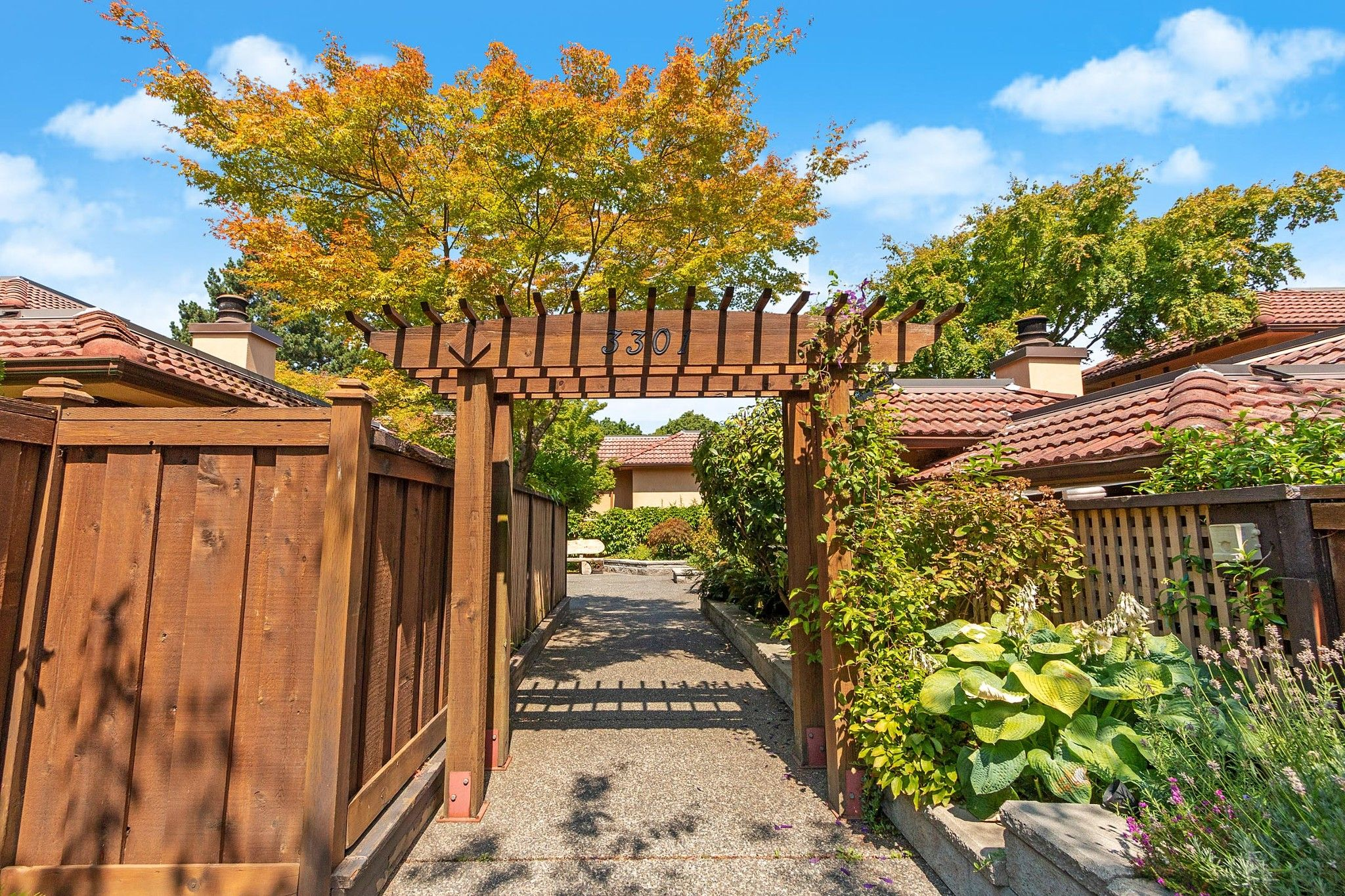 Main Photo: 1 3301 W 16TH Avenue in Vancouver: Kitsilano Townhouse for sale (Vancouver West)  : MLS®# R2608502