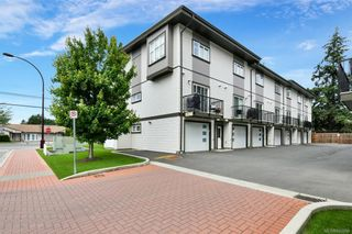 Photo 2: 109 2821 Jacklin Rd in Langford: La Langford Proper Row/Townhouse for sale : MLS®# 845096