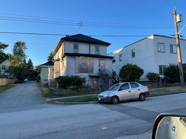 """Main Photo: 1009 SIXTH Avenue in New Westminster: Moody Park House for sale in """"Moody Park"""" : MLS®# R2618317"""