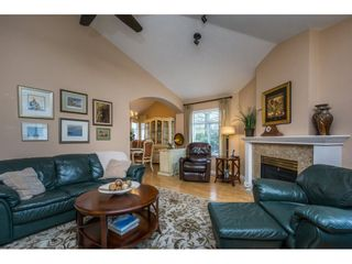 """Photo 5: 24 19649 53 Avenue in Langley: Langley City Townhouse for sale in """"Huntsfield Green"""" : MLS®# R2155558"""