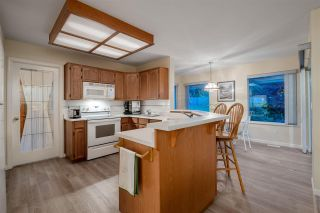 """Photo 9: 1582 BRAMBLE Lane in Coquitlam: Westwood Plateau House for sale in """"Westwood Plateau"""" : MLS®# R2585531"""
