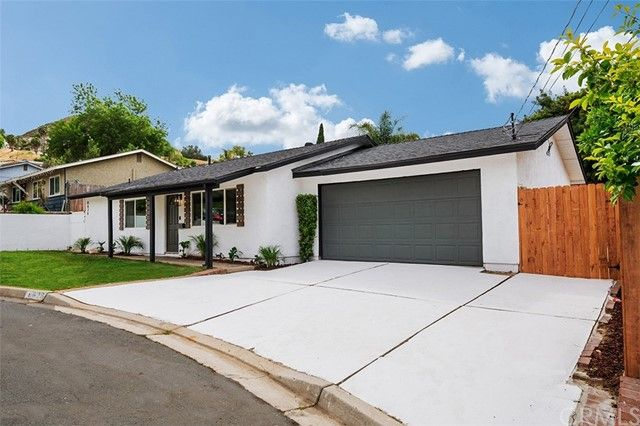 Main Photo: SANTEE House for sale : 3 bedrooms : 8626 Dobyns Drive