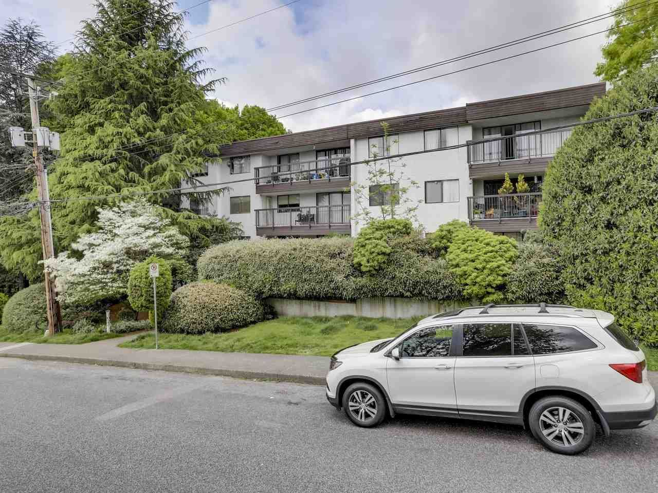 """Main Photo: 207 1025 CORNWALL Street in New Westminster: Uptown NW Condo for sale in """"CORNWALL PLACE"""" : MLS®# R2266192"""