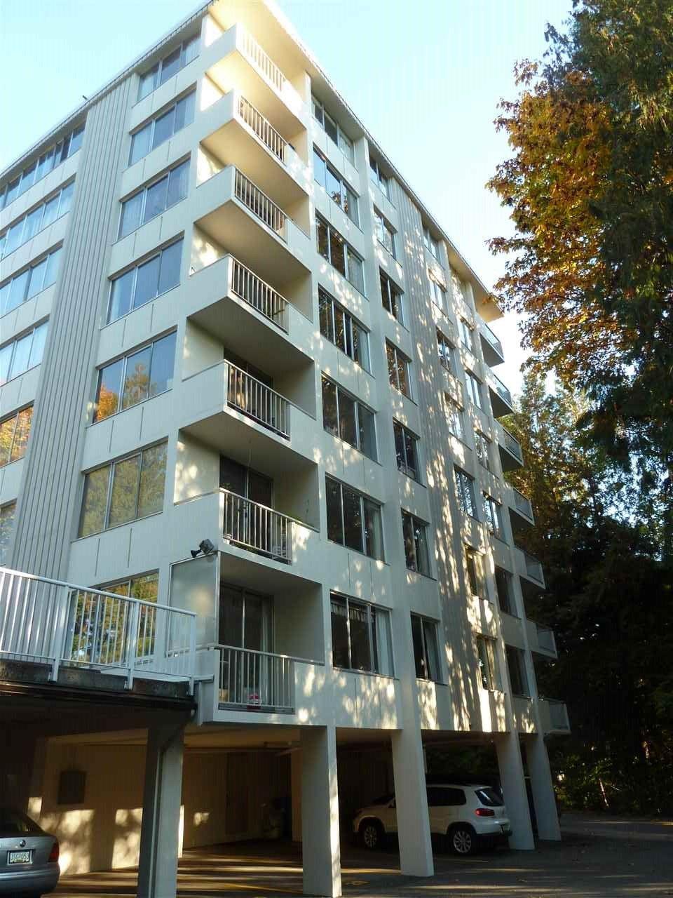 Main Photo: 103 1785 ESQUIMALT Avenue in West Vancouver: Ambleside Condo for sale : MLS®# R2330636