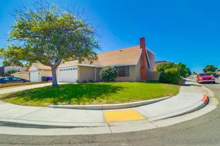 Photo 2: PARADISE HILLS House for sale : 3 bedrooms : 2908 Pettigo Drive in San Diego