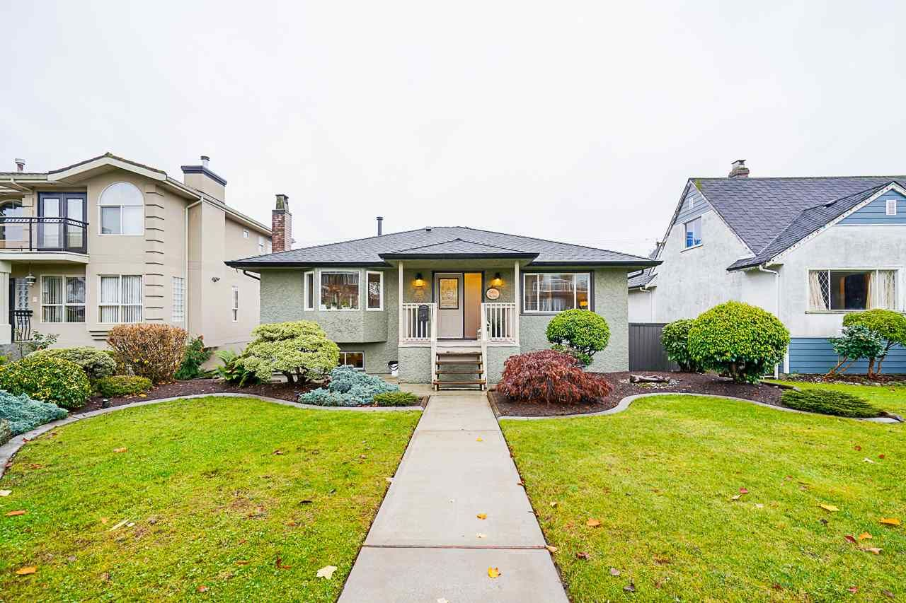 Main Photo: 4330 NAPIER STREET in Burnaby: Willingdon Heights House for sale (Burnaby North)  : MLS®# R2519763
